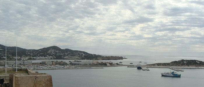 alquiler charter en Ibiza